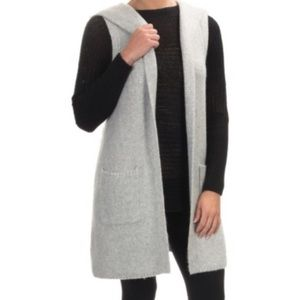 Sleeveless hooded wool sweater vest